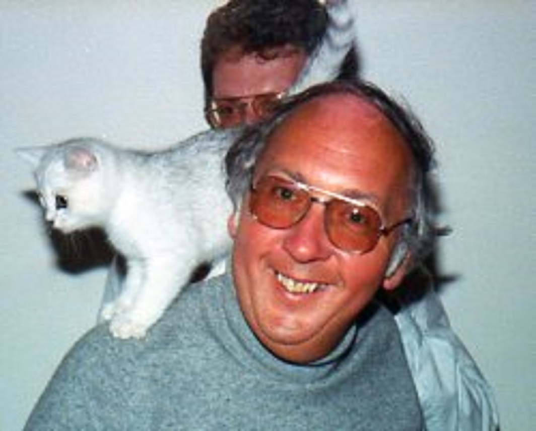 Gordon Hardie with cat and friend James Taylor