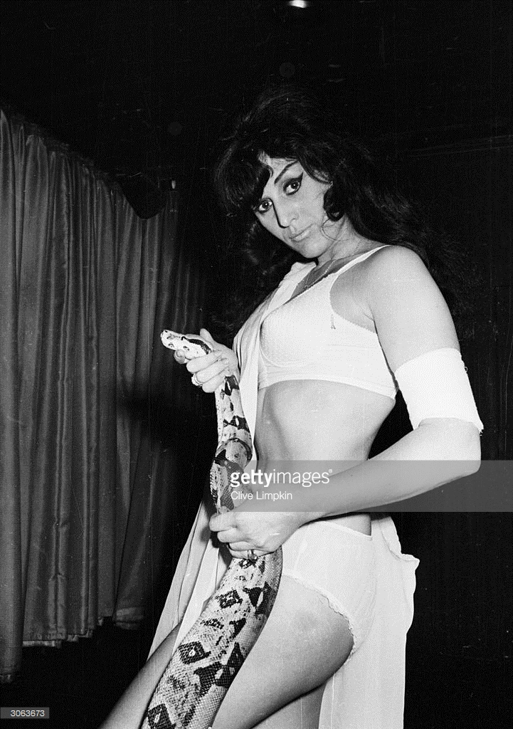 Julie Mendez - snake dancer [Getty Images]