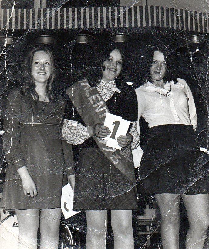 Valentine's Dance 1973 - Ugo Ruggeri took photos of beauty contest winners.